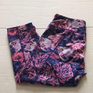 Lularoe size medium Jade Capri length leggings